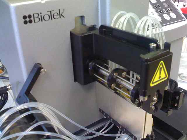 BioTek Microflo cartridge in place